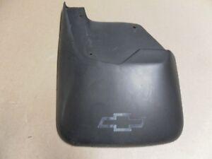 2000-2002 Chevy Trailblazer Left Rear Mud Guard OEM 12490809