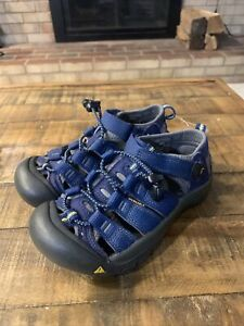 KEEN Newport H2 Youth Blue Sandals Shoes Sz 1 Waterproof Hiking Closed Toe Back