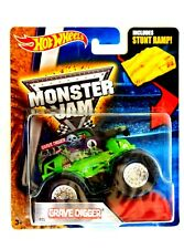 Grave Digger Monster Jam Diecast Truck (Hot Wheels)(2016)(Stunt Ramp)