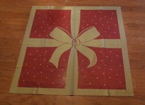 """Christmas Ribbon & Bow Table Topper 36""""x36"""" European Lace red gold NIP NEW"""