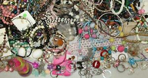 Young Girls Jewelry Lot 150 pc Fashion Play Dress up Necklaces Rings Earrings #2