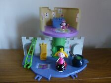 Ben & Holly's Little Kingdom Royalty Play set & couple figures