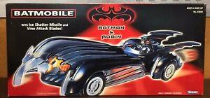 1997 Kenner Batman & Robin Batmobile w/ Ice Shatter Missile & Vine Attack Blades