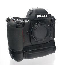 Nikon F100 Kameragehäuse mit Batteriegriff MB-15 - 34755