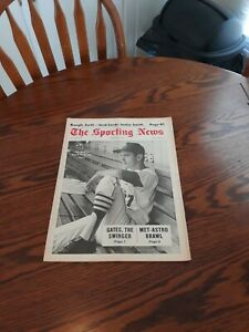 AUGUST 24,1968-THE SPORTING NEWS-DAL MAXVILL OF THE ST.LOUIS CARDINALS(MINT)