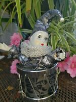 VINTAGE HARLEQUIN JESTER DOLL Music Box *MOVES AS music 🎶  plays pierrot clown