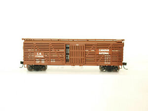 Walthers H0 910-4504 40' Stock Car Canadian National #175002 in OVP