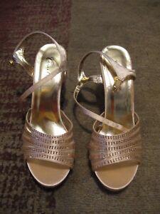 "CAMILLE LA VIE, WOMEN'S NEW Gold Man Made Rhinestone 3.5"" Evening Heels Size 7"