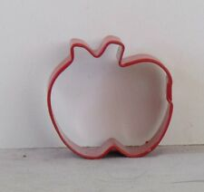 """Wilton NEW Mini RED APPLE Metal COOKIE Pie PASTRY Crust CUTTER 1.5""""  x 1.5"""""""