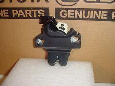 13-18 Lexus ES 350 / ES 300h Trunk Latch Lock Actuator wo/ power open / close