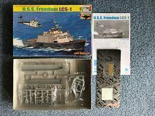 Cyber Hobby 1/700 USS libertad LCS-1 Modelo Kit #7095