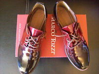Chaussures Marco Tozzi, vernies rouge, pointure 41, neuves.