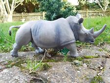 WHITE RHINOCEROS / RHINO Safari Ltd large plastic mammal  - 32 x 14.5cm 1:15.4