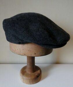 Men's  Dark Grey Felt  Flat Cap. Quilted Satin Lining/ Pres Stud Peak. 58 cm