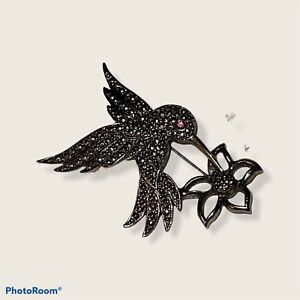 Red Eye Hummingbird Pin Vintage Silver Avon Brooch 2.5 Inches Wide EUC Costume