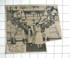 1939 Women Minding Circular Knitting Machines At The Works Of Chilprufe Ltd