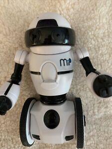 MiP Robot Model 0820 WowWee White Dancing Robot - Bluetooth App Controls