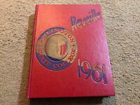 1961 ARLINGTON STATE COLLEGE YEARBOOK ( REVEILLE )