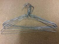 Wire type metal coat hangers by 20pc.