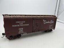 HO  ATHEARN  CHICAGO AND NORTH WESTERN 40 Foot  SINGLE DOOR BOX CAR #2182
