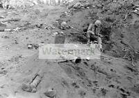 WWII photo US Marine at the Sandy Killed Japanese Soldier on Iwo Jima 39