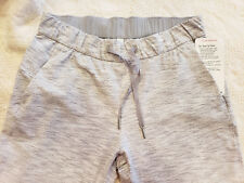 NWT Lululemon On the Fly Pant Size 8 Gray White Stripe Workout Exercise NEW