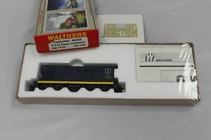 CH Walthers 932-1310 Central Railroad New Jersey H10-44 #9703 Diesel Locomotive