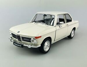 WELLY BMW 2002ti BEIGE 1:24 DIE CAST METAL MODEL NEW IN BOX 17cm LONG