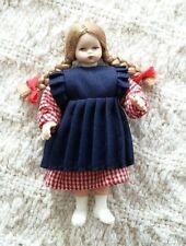 Miniature Puppenstuben Biegepuppchen Poseable Little Girl Doll w Porcelain Head