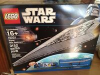 Lego STAR WARS UCS 10221 SUPER STAR DESTROYER . NEW SEALED.