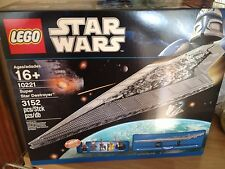 Lego STAR WARS UCS 10221 SUPER STAR DESTROYER . NEW SEALED.