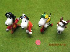 Figurine plastique séries BD et TV le chien Snoopy