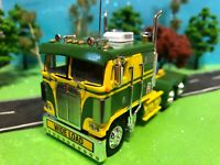 DCP 1/64 Beautiful Green/Yellow, Kenworth K-100 Cabover Flat-Top, Semi-Tractor