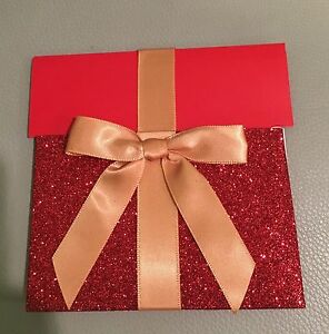GIFT CARD HOLDER RED GLITTER & GOLD RIBBON. DOES NOT INCLUDE GIFTCARD