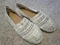 ESPRIT TOSO AZTEC CROCHET SLIP-ON SHOES FLATS (TOMS) 8 M Shiny Gold / Tan