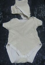 2x Baby vests in yellow and white with popper fastened underside 18-24 months