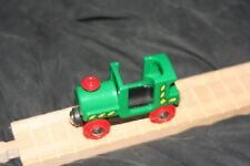 wood BRIO GREEN ENGINE TRAIN ~  fits WOOD TRAIN TRACK