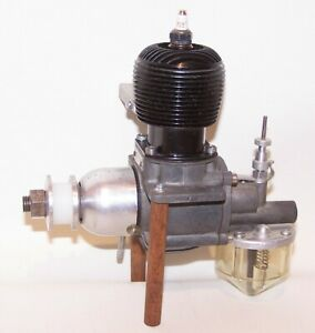 Very Nice 1946 Barker Man-UL-Matic .604 Spark Ignition Model Airplane Engine