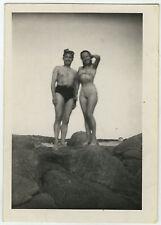 PHOTO ANCIENNE - HOMME FEMME SEXY MER SLIP DE BAIN GAY - SEA - Vintage Snapshot