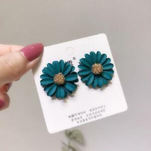 Fashion Daisy Flower Metal Ear Stud Earrings Painting for Women Jewelry Green