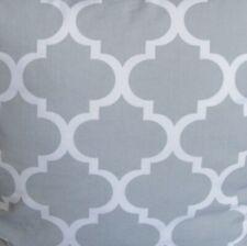 Baumwollstoff marokkanische Gitter/Klee auf grau