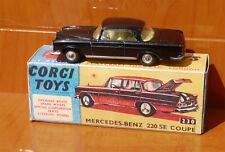 Corgi Toys 230 MErcedes BEnz 220 SE coupé con reprobox