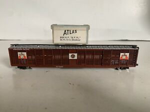 B33 Atlas N Scale Model Trains 85' Northern Pacific Stock Car Boxcar Pig Palace