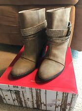 UNION BAY KADEE Ankle Boots Womens TAUPE SIZE 6.5 WESTERN HEELED RHINESTONES New