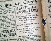 RED GRANGE Illinois Running Back Signs w/ Chicago Bears Football 1925 Newspaper