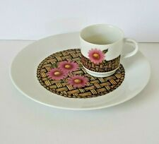 Georges Briard Vintage Luncheon Snack Set Cup Plate Daisies Basket Weave Pink