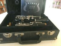 1981 Vito Reso-tone 3 Clarinet, Case, Reeds, Music Holder, Luyben Ligature