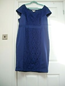 MONSOON SIZE 20 PURPLE LACE INSERT LINED DRESS BODYCON STYLE VERY SLIMMING