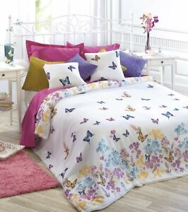 Edredón estampado flores mariposas cama 90 ANTES: 29€ PRECIO: 16,95€ ENVÍOGRATIS