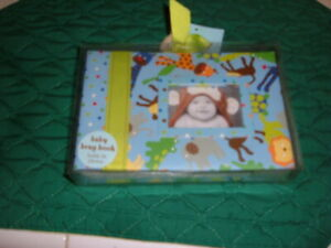 """ALOHA SEALED """"BABY ESSENTIALS BABY BRAG BOOK"""" Holds 36 Photos 4"""" x 6"""" Pictures"""